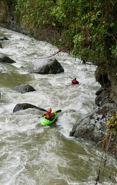 kayak ecuador, ecuador kayak, kayaking in ecuador, small world adventures, adventure kayaking, whitewater kayaking