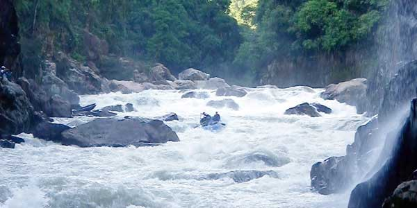 A raft in the large whitewater of the lower Mishauli