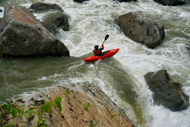 kayak ecuador, ecuador kayak, kayaking in ecuador, small world adventures, kayaking, adventure kayak, whitewater kayaking