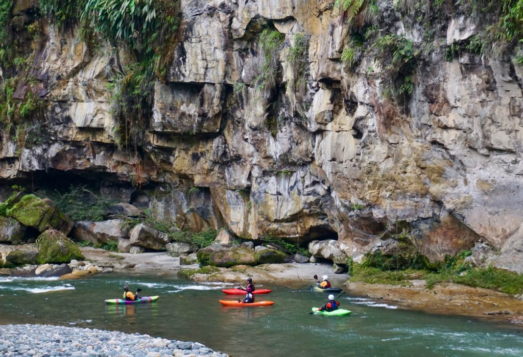 Ecuador, kayak ecuador, ecuador kayak, kayaking, river adventure