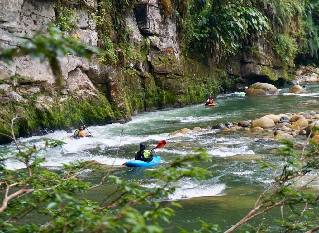 kayak ecuador, kayaking ecuador, ecuador kayak, kayaking in ecuador, kayak ecuador, small world adventures, boof sessions