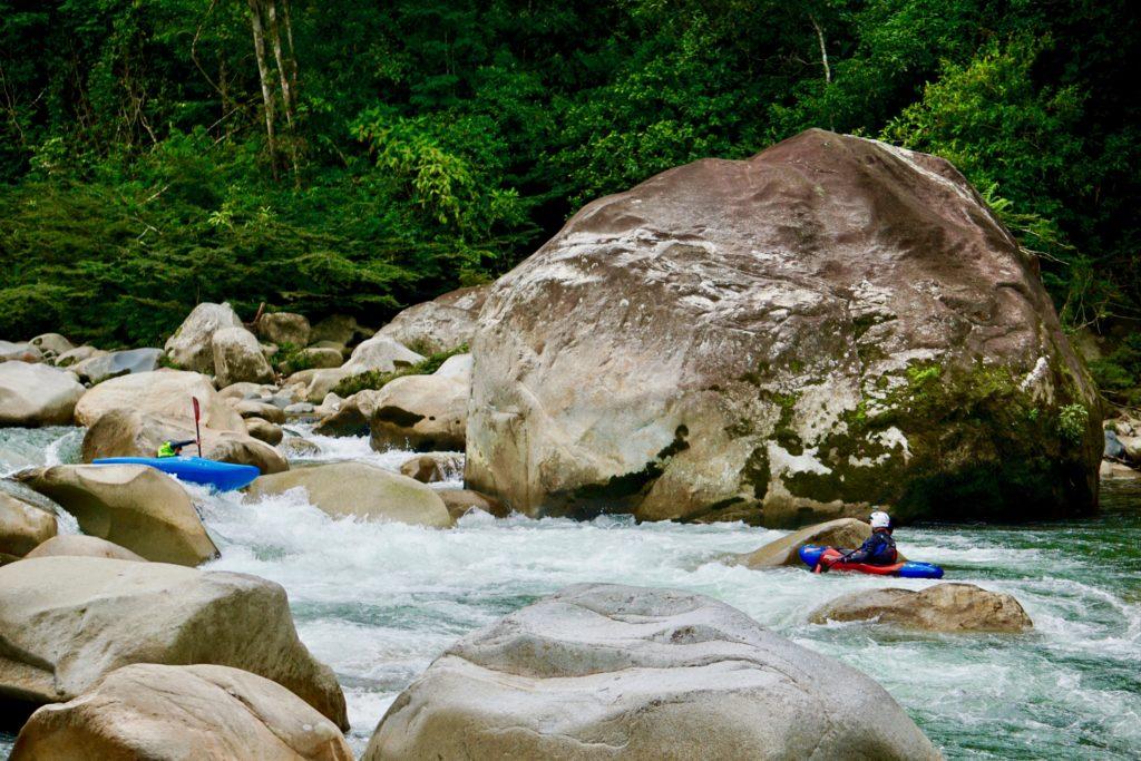 kayak ecuador, ecuador kayak, kayaking in ecuador, ecuador kayaking, small world adventures, piatua, boof sessions, endless river international