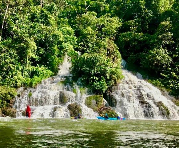 kayak ecuador, small world adventures, adventure kayaking, whitewater kayaking, waka steeze, kayaking, guided kayaking in ecuador