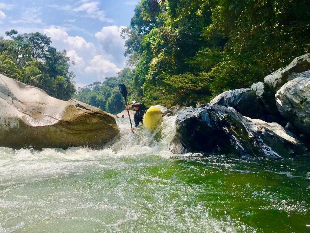 kayak ecuador, ecuador kayaking, kayaking in Ecuador, adventure kayaking, guided kayaking in Ecuador, whitewater kayaking, Piatua river