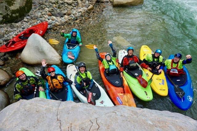 kayak ecuador, ecuador kayaking, kayaking in Ecuador, adventure kayaking, guided kayaking in Ecuador, whitewater kayaking, misahualli river